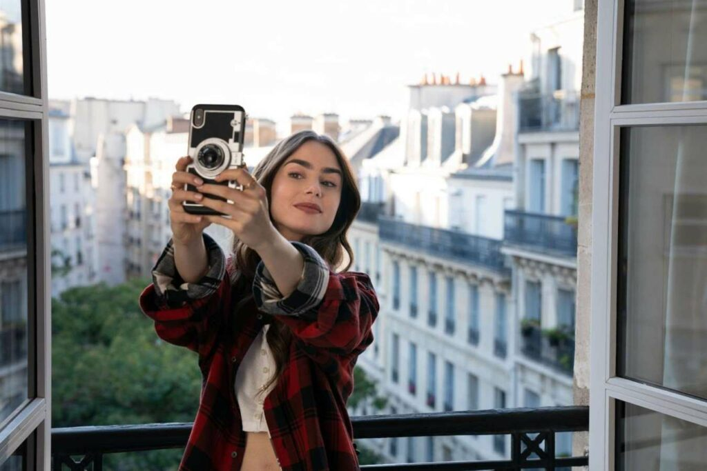 Emily in Paris Lilly Collins